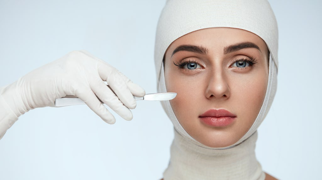 women and cosmetic surgeires In the uk, women accounted for 905% of all cosmetic procedures in 2013 with a total of 45,365 procedures breast augmentation was the most popular with 11,123.